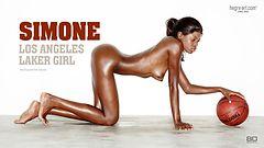 Simone chica de Los Angeles Lakers