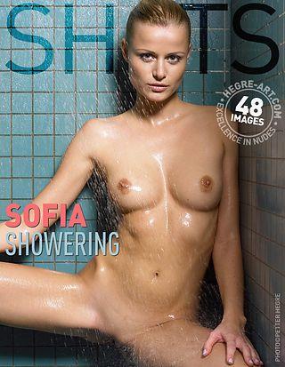 Sofia sous la douche