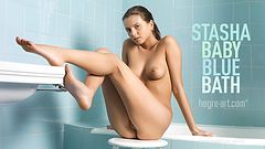 Stasha baby blue bath
