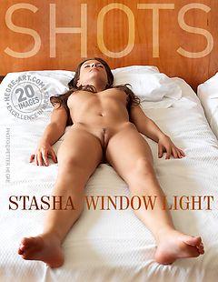 Stasha luz de ventana