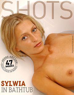 Sylwia in der Badewanne