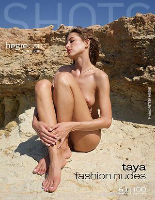 Taya Mode-Akt