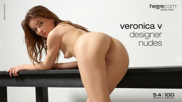 Veronika C Designer-Akt