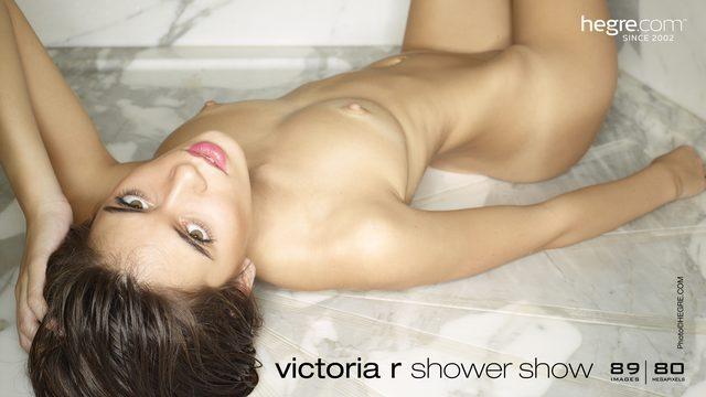 Victoria R spectacle de douche