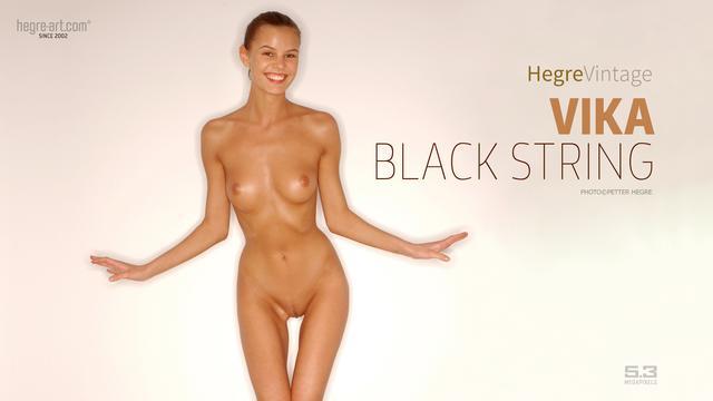 Vika string noir
