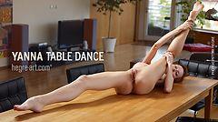 Yanna table dance