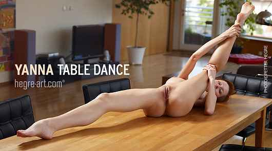 Yanna table dance
