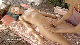 Outdoor-sensual-massage-35-320x