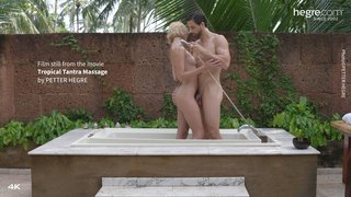 Tropical-tantra-massage-04-320x