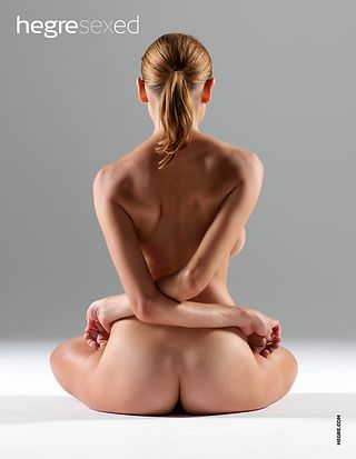 7 Ways Yoga Boosts Your Sex Life
